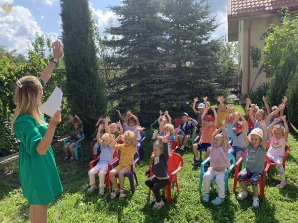 На Львівщині триває екологічний проєкт для дітей «Планета в долонях»