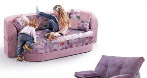 контрасні дивани та крісла