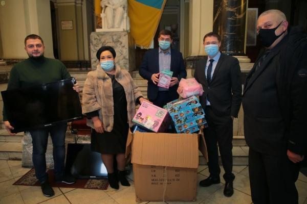 До Дня святого Миколая дітям-сиротам на Львівщині подарують майже 5 тисяч іграшок